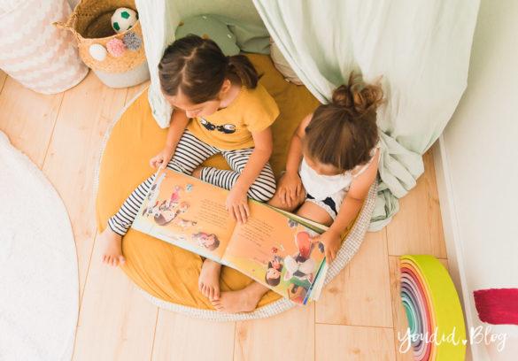 Zwischen Windeln Corona und Einhorn Kneten - Bleib Lässig Zuhause Skandinavisches Kinderzimmer Regenbogen Baldachin Betthimmel IKEA Hack Kuschelecke | https://youdid.blog