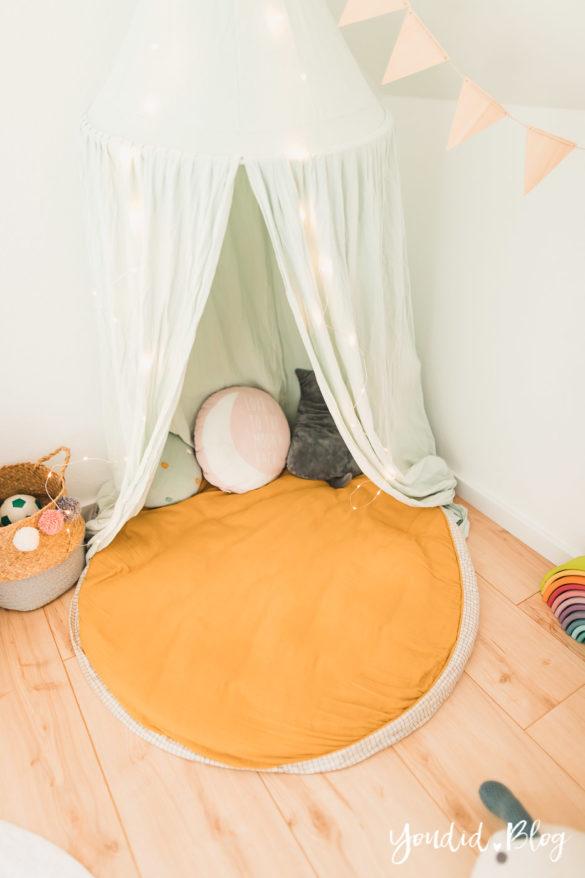 Zwischen Windeln Corona und Einhorn Kneten - Bleib Lässig Zuhause Skandinavisches Kinderzimmer Regenbogen Baldachin Betthimmel IKEA Hack Kuschelhöhle | https://youdid.blog