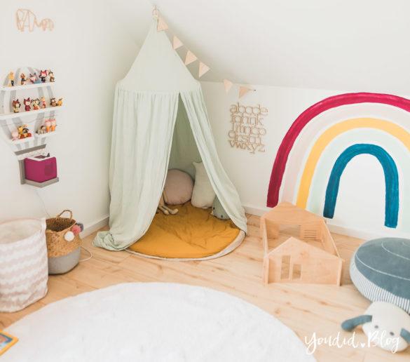 Zwischen Windeln Corona und Einhorn Kneten - Bleib Lässig Zuhause Skandinavisches Kinderzimmer Regenbogen Baldachin Betthimmel IKEA Hack nordic Kidsroom | https://youdid.blog