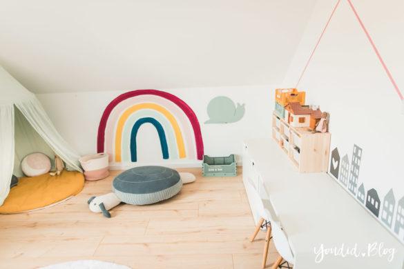 Zwischen Windeln Corona und Einhorn Kneten - Bleib Lässig Zuhause Skandinavisches Kinderzimmer Regenbogen Baldachin Betthimmel IKEA Hack Sitzschnecke | https://youdid.blog