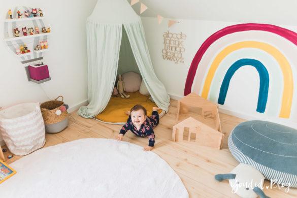Zwischen Windeln Corona und Einhorn Kneten - Bleib Lässig Zuhause Skandinavisches Kinderzimmer Regenbogen Betthimmel | https://youdid.blog