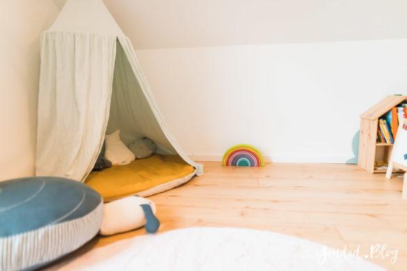 Zwischen Windeln Corona und Einhorn Kneten - Bleib Lässig Zuhause Skandinavisches Kinderzimmer Regenbogen malen Baldachin Betthimmel IKEA Hack | https://youdid.blog