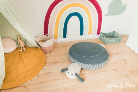 Zwischen Windeln Corona und Einhorn Kneten - Bleib Lässig Zuhause Skandinavisches Kinderzimmer Sitzschnecke Regenbogen Baldachin Betthimmel IKEA Hack | https://youdid.blog