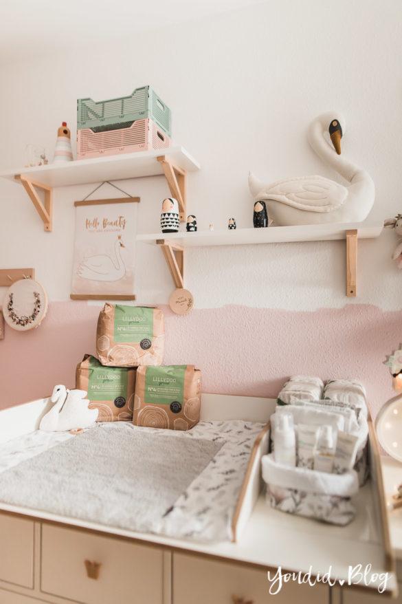 10 Mama Hacks super praktische Lifehacks die neuen Windeln von Lillydoo Schwanen Babyzimmer IKEA Hack Wickeltisch Ikea Hack | https://youdid.blog