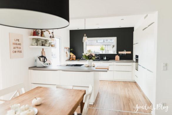 Fliesen Vinyl oder Holzfussboden in der Küche - Unsere Erfahrungen mit dem Purline Bioboden von Wineo Vinyl selbst verlegen Black Kitchen | https://youdid.blog