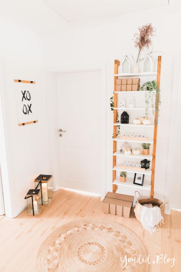 Fliesen Vinyl oder Holzfussboden in der Küche - Unsere Erfahrungen mit dem Purline Bioboden von Wineo Vinyl selbst verlegen Leiterregal | https://youdid.blog