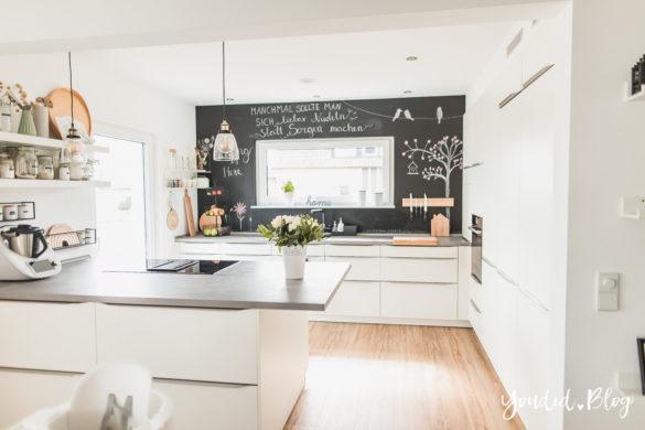 Fliesen Vinyl oder Holzfussboden in der Küche - Unsere Erfahrungen mit dem Purline Bioboden von Wineo Vinyl selbst verlegen Springchalkboard | https://youdid.blog